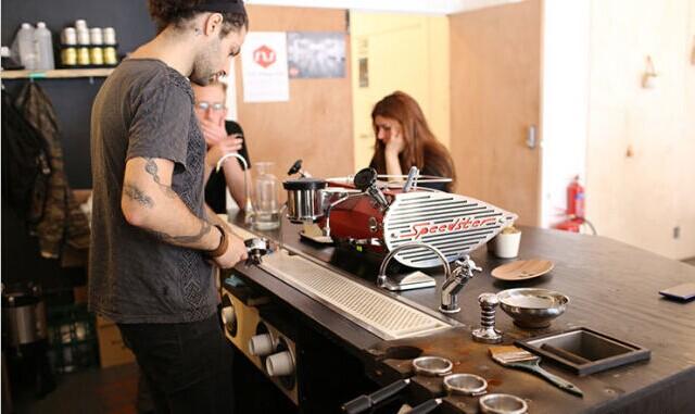 咖啡馆吧台空间尺寸,高度及创意设计